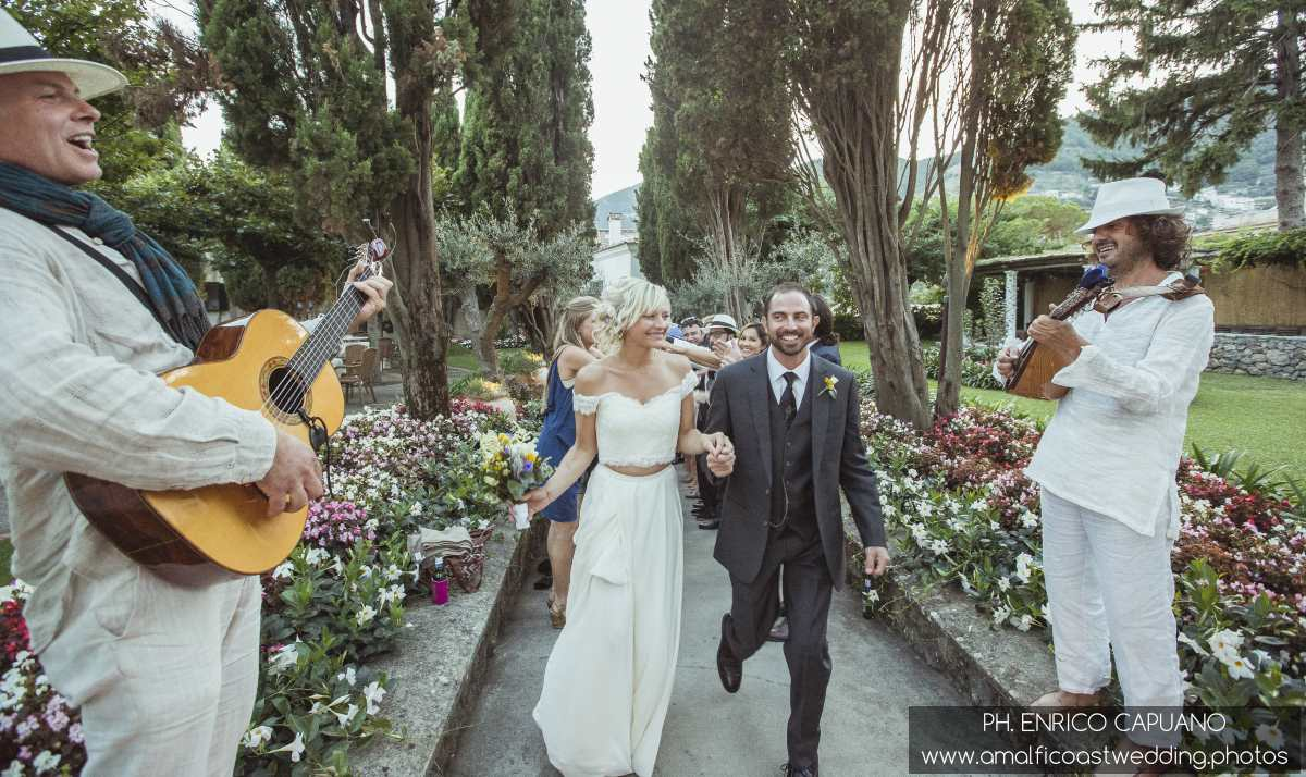 April And Michael From Usa Decided That A Wedding In Italy Would Be Perfect Fit For Them Their Ravello Was Filled With Simple